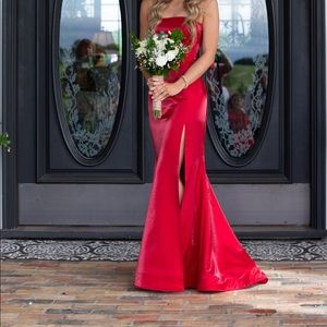 Sherri Hill Red Prom/Formal Dress. Size 00
